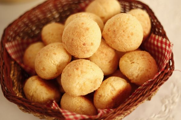 Pão de queijo BH - gastronomia do Brasil