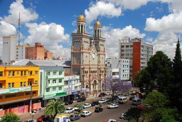 Catedral Nossa Senhora Aparecida, Passo Fundo - RS   Foto: Banco de Imagens