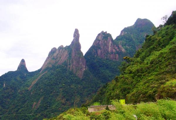 Pico do Dedo de Deus, na Serra dos Órgãos
