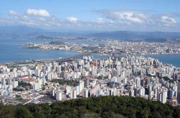 Conheça o Mirante do Morro da Cruz, um dos mirantes do Brasil que você precisa visitar