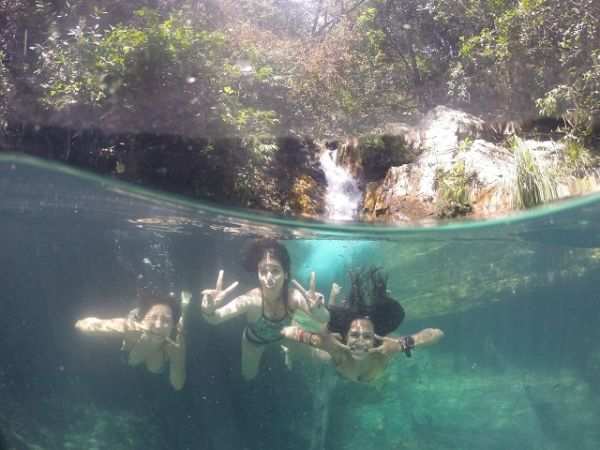 Águas cristalinas da Cachoeira Santa Bárbara