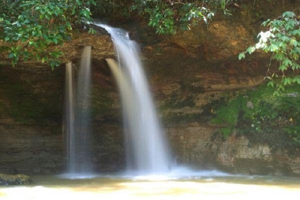 Cachoeira da Pedra Furada, Presidente Figueiredo - AM | Foto: Banco de Imagens
