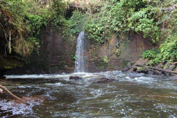 Cachoeira do Santuário, Presidente Figueiredo - AM | Crédito: Seguindo Viagem