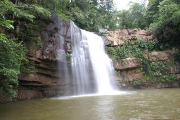 Cachoeira das Andorinhas, no Parque Estadual Serra Azul
