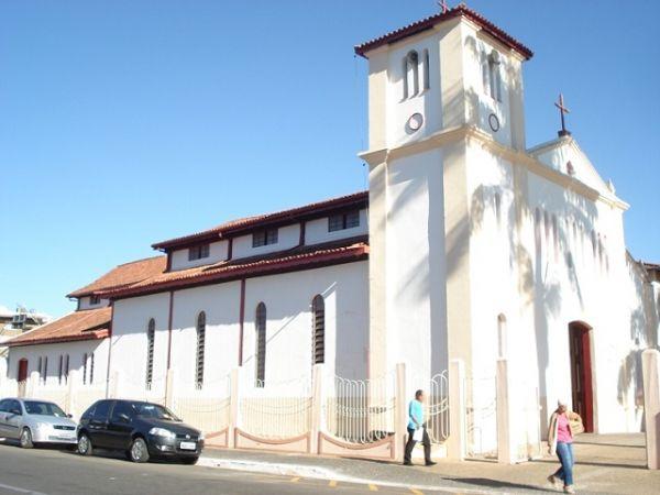 Roteiro em Caldas Novas: Igreja Matriz Nossa Senhora das Dores