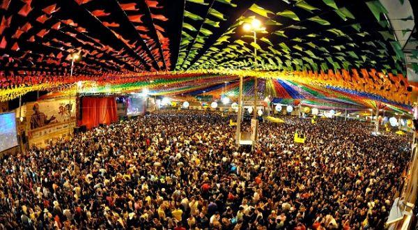 Conheça o Forró Caju, uma das maiores festas juninas