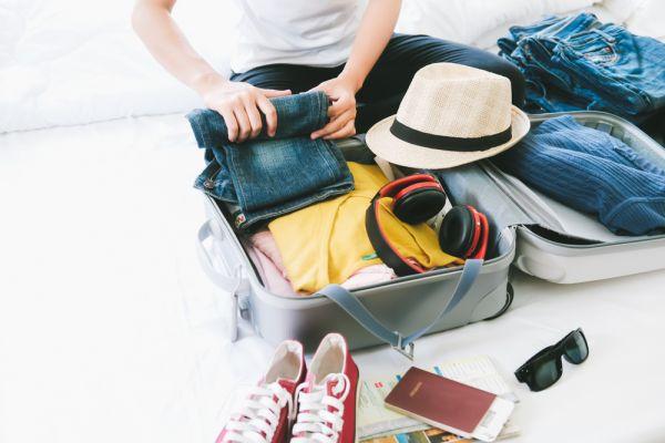 O que levar na mala em uma viagem para praia? | Foto: Banco de imagens