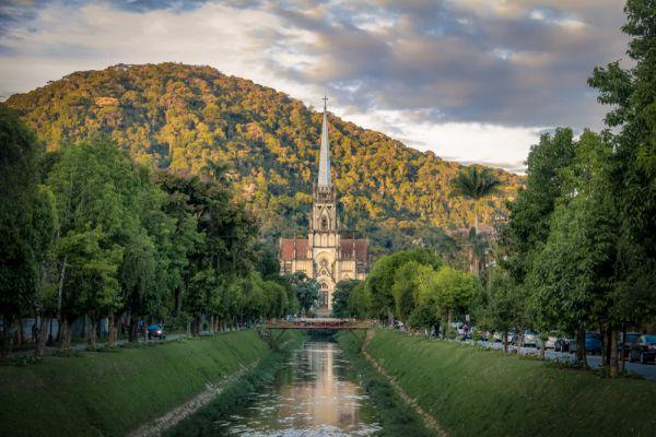 Catedral de São Pedro, em Petrópolis, uma boa cidade para conhecer nos feriados de 2020