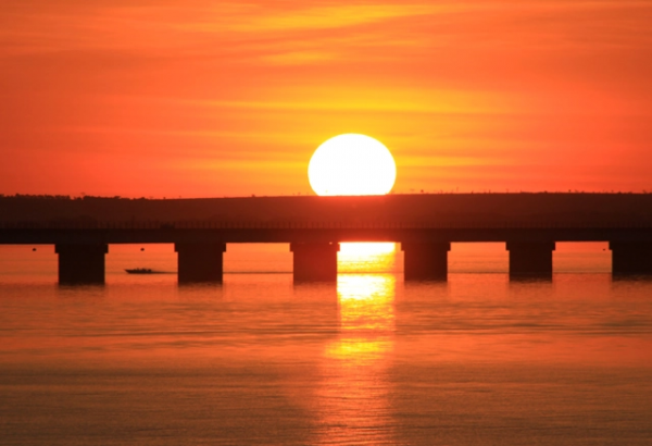 Pôr do sol no Rio Paraná, Pôr do sol