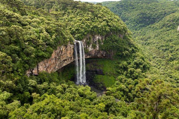 Parque do Caracol, na Serra Gaúcha, uma das serras brasileiras