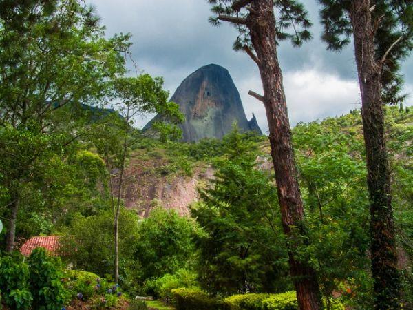 Pedra Azul, ponto turístico da serra capixaba, uma das serras brasileiras