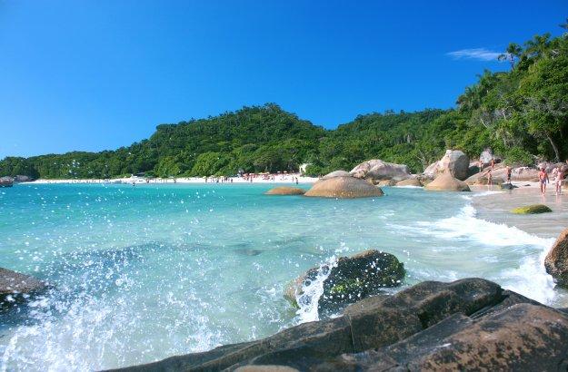 Vá para as praias da região sul em um dos feriados de 2020
