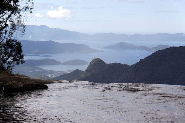 Aproveite o verão no Vale do Paraíba, vá para a Cachoeira do Bracuí