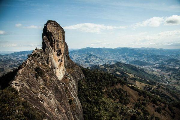 Aproveite o verão no Vale do Paraíba, vá para a Pedra do Bauzinho