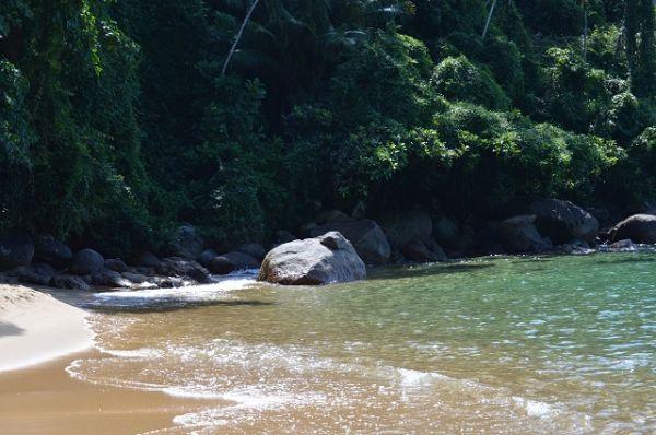 Aproveite o verão no Vale do Paraíba, vá para a Praia do Cedrinho