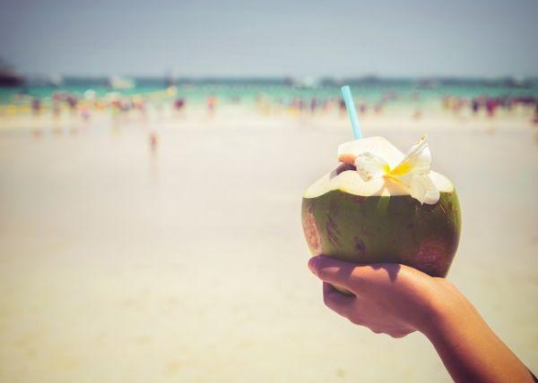 Hidratação é essencial, tome alguns cuidados na praia