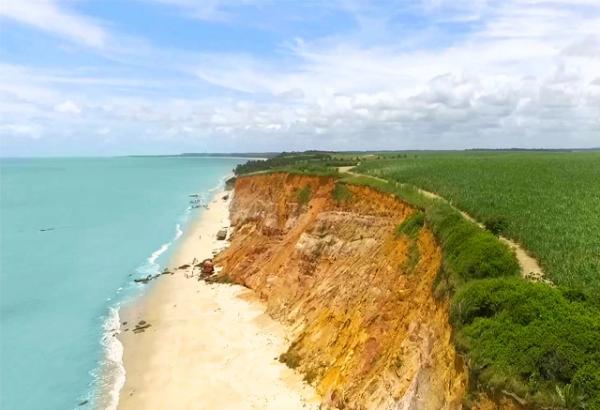 Conheça a praia de Carro Quebrado uma das praias paradisíacas do Brasil