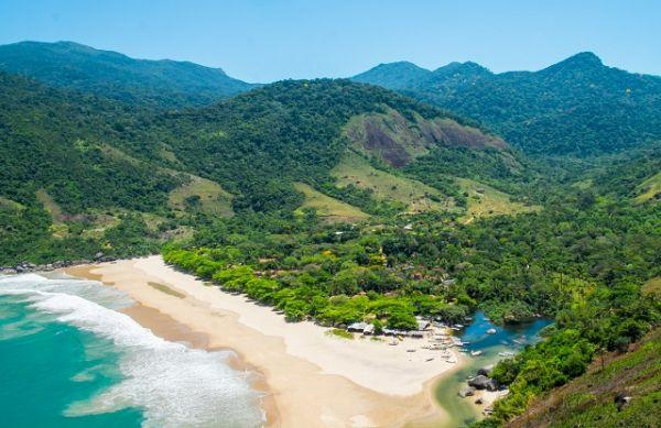 Réveillon de 2020 em Ilhabela - SP | Foto: Banco de imagens