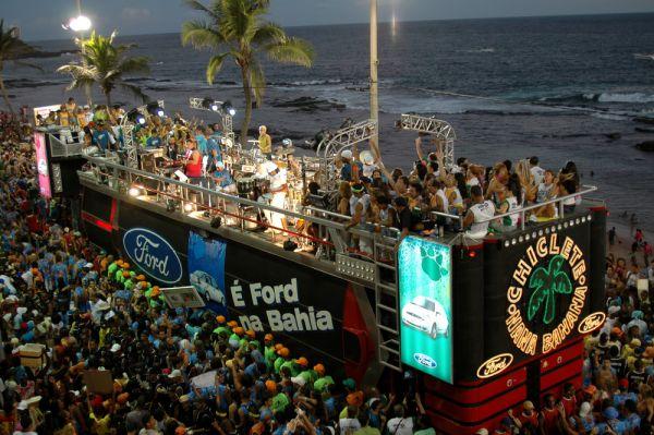 Trio elétrico do Carnaval 2020 em Salvador