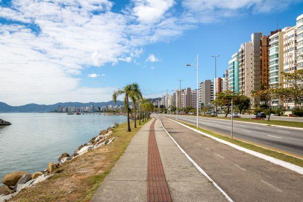 Avenida Beira Mar, em Florianópolis
